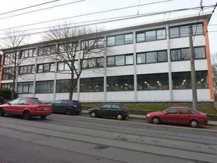 Verkauf von vielseitig nutzbaren Fertigungs- u.Lagerflächen mit Verwaltungsgebäude in E, Steeler Str