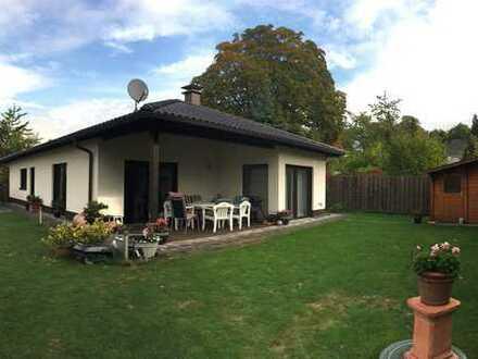EINMALIG: Neuwertiger Bungalow mit Sonnengarten mitten in Menden