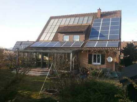 Kernsaniertes 1-2 Familienhaus in gesuchter Lage mit viel Natur