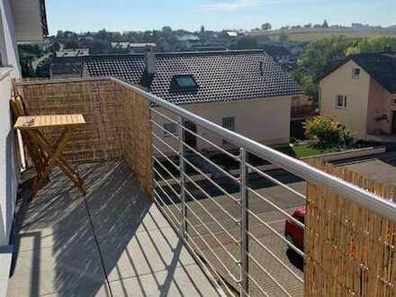 Stilvolle Neubauwohnung im DG mit Balkon