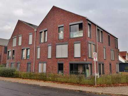 Gemütliche, moderne Maisonette-Wohnung mit Balkon/Wintergarten und zwei Tiefgaragenstellplätzen