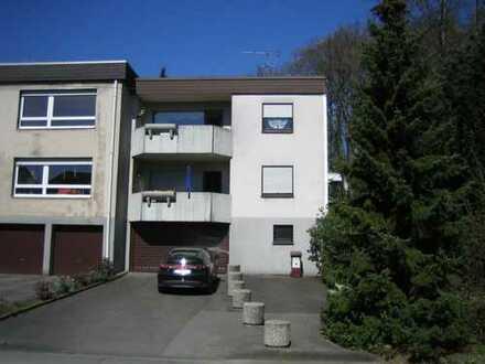 Moderne 90 m²-Wohnung, saniertes Badezimmer, Gäste-WC, Balkon, Garage, Garten