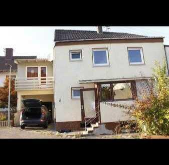 Haus mit 8 Zimmern, Küche, Bad, Garage und kleiner Garten zu vermieten!!