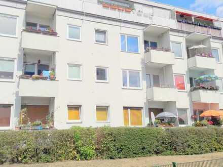 Exklusive, sanierte Balkon Wohnung mit SW Balkon und Einbauküche in Spandau, Berlin