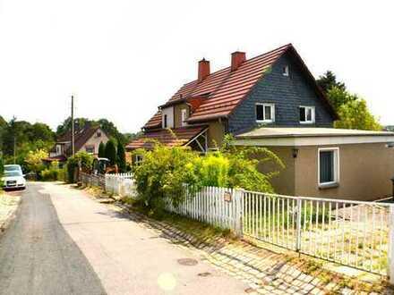 Doppelhaushälfte in Chemnitz (Schönau) mit großem Grundstück
