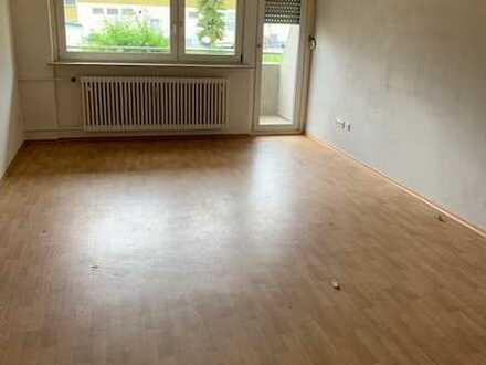Gemütliche, großräumige 77m², 3 Zi.-Wohnung mit Balkon im EG
