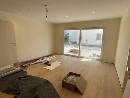 Erstbezug mit großer Terrasse (ca. 24 qm): stilvolle 2-Zimmer-Wohnung