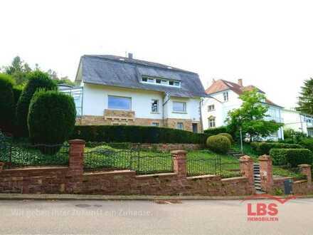 Villa in exponierter Lage am Turmberg