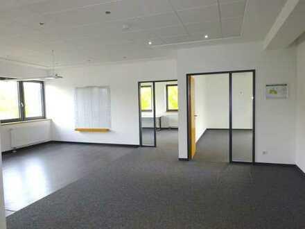 Moderne Büro-/Praxisflächen in Ludwigsburg, nahe A 81 / Breuningerland