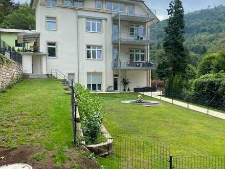 Erstbezug: Balkon mit traumhafter Aussicht, EBK, Kamin, Klimaanl., Garten mit Spielplatz und Pool