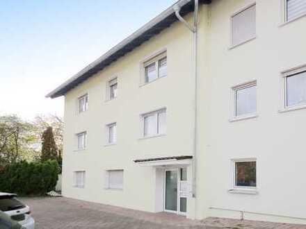 Attraktive und große 2-Zimmer-Wohnung mit Terrasse und Stellplatz