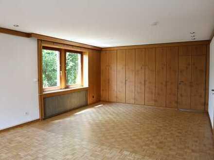 Vollständig renovierte 3-Zimmer-Wohnung mit Balkon in Duisburg