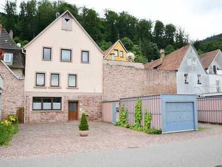 *HTR Immobilien GmbH* Großes Anwesen an der Mainpromenade u. Ladengeschäft zur Hauptstraße hin!