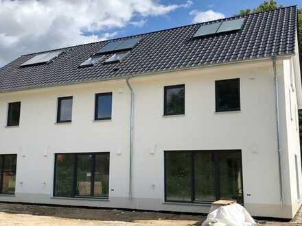 Schönes Haus mit fünf Zimmern in Havelland (Kreis), Dallgow-Döberitz