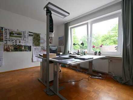 Büro mit Balkon am Klingenbergplatz