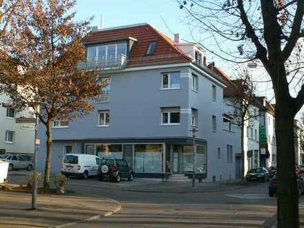 Wohnen und Arbeiten - vielfältig nutzbare komplette EG - Einheit mit Schaufenster und Nebenflächen