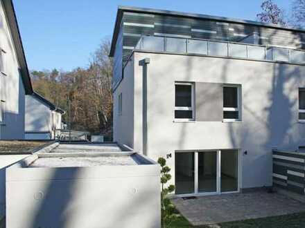 Kaiserslautern-Betzenberg - Neubau/ Erstbezug: Modernes Wohnhaus mit EBK, Garten und Dachterrasse