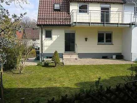 Schönes Zuhause für einen großen Hund : Einfamilienhaus (DHH) Ruit