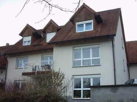 2-R.-DG-Whg. mit Fußbodenheizung, Balkon, PKW-Stellplatz und Garage - in ruhiger Lage
