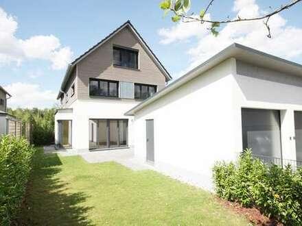 Stadtteil Waldtrudering! Neuwertige, hochwertige DHH mit Terrasse, Garten und Garage zu vermieten!