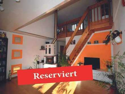 RESERVIERT***GALERIEWOHNUNG mit 3,5 Zimmern, herrlicher Dachterrasse mit Neckarblick und Süd- Balkon