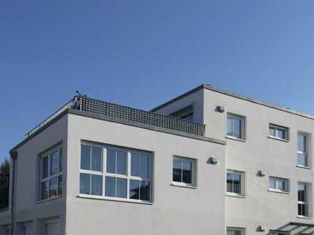 Neuwertige 2-Zimmer-Dachterrassenwohnung komplett möbliert* in Burglengenfeld