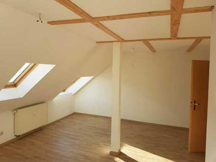 Helle Altbau Dachgeschosswohnung