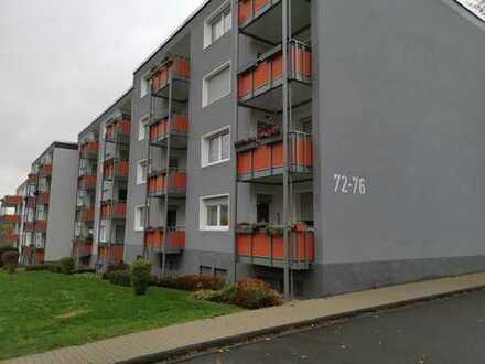 Helle, modernisierte 3-Zimmer Wohnung mit Ausblick vom eigenen Balkon!