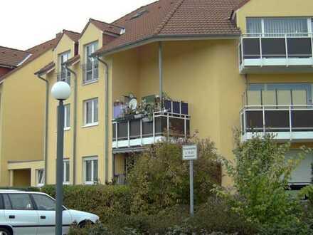 Helle Wohnung mit Balkon und Garage in gepflegter, ruhiger Wohnanlage vor den Toren von Leipzig