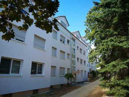 Neuwertige 5-Zimmer-DG-Wohnung mit Balkon in Schwalbach am Taunus