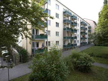 ... ab in die Neustadt! Praktische 3-Zimmer-Wohnung mit Balkon.