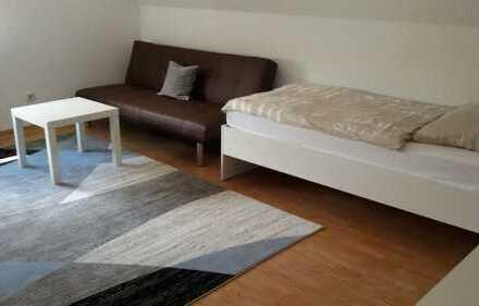 Modern möbl. Zimmer in 3er WG für PA Studenten