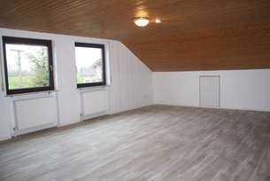 Erstbezug nach Sanierung: attraktive 4-Zimmer-Wohnung in Großerlach