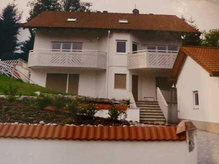 Doppelhaushälfte mit tollem Panoramablick sucht neuen Mieter der lange bleiben möchte