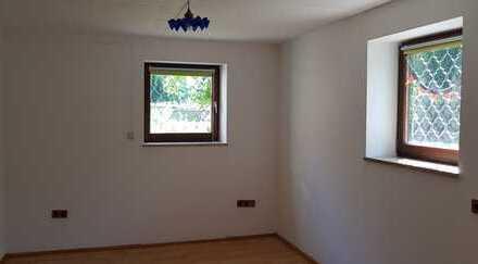 Gemütliche 2-Zimmer-Souterrain Wohnung mit eigenem Gartenanteil