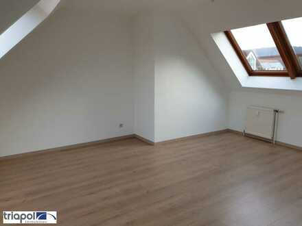 Schöne und gemütliche Wohnung im DG, mit neuem Laminatboden in ruhiger Stadtrandlage.
