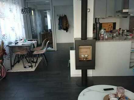 Gepflegte 2-Zimmer-Wohnung mit Terrasse und EBK 960 € warm inkl. Stellplatz