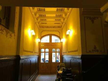 Sehr schöne und praktische 2 Zimmer-Wohnung mit großer Balkonterasse im Stadtzentrum von Potsdam
