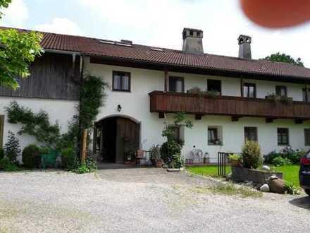 Gepflegte 3-Zimmer-Wohnung mit Balkon und Einbauküche in Hochstätt a. Inn