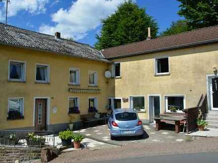 Einfamilienhaus (ca. 130 qm) mit Terrasse, Garage und kleinem Werkstatt – in ruhig gelegenen Straße