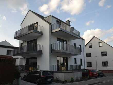 Neubau Erstbezug – Hochwertig ausgestattete 3-Zimmerwohnung mit eingerichteter Küche und 2 Balkonen