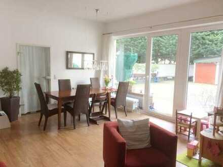 Provisionsfrei!!!! Familien Stadtwohnung mit großzügigem Innenhof/Terrasse