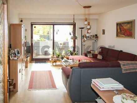 3-Zimmer-Eigentumswohnung mit Süd-West-Balkon, viel Potential und Möglichkeit der Eigennutzung!