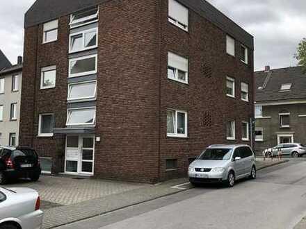 Gepflegte Wohnung mit vier Zimmern und Balkon in Bottrop