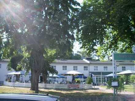 Top-Adresse im Berliner Südwesten: Begehrtes Ausflugslokal in Havellage