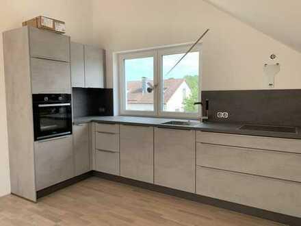 Erstbezug: 3-Zimmer-Penthousewohnung mit Einbauküche und Dachterrasse in Pentling