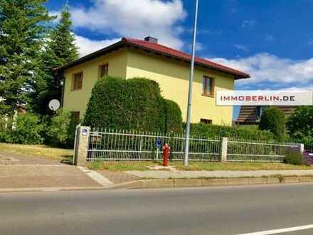 IMMOBERLIN: Komfortables Einfamilienhaus mit schönem Garten