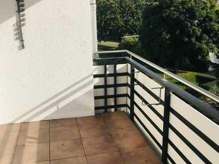 Ansprechende 4-Raum-Wohnung mit EBK und Balkon in Bochum