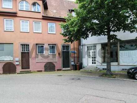 Gestaltungspotenzial nahe Pforzheim: Zentral gelegene 2-Zi.-ETW im malerischen Neuenbürg