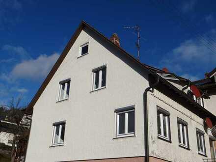 Dachgeschosswohnung in ruhige Lage für Nichtraucher